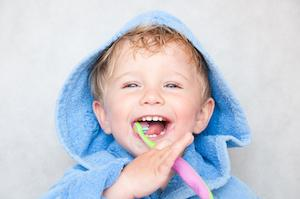Child Brushing Teeth | Kingsport, TN