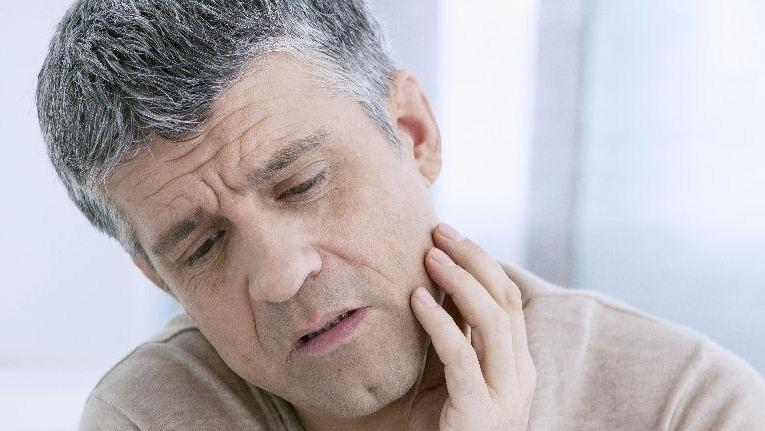 Man with Tooth Pain | Hagan Dentistry